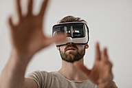 Man using Virtual Reality Glasses - JOSF00756