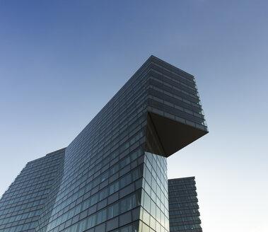 Austria, Vienna, modern office tower - FC01195