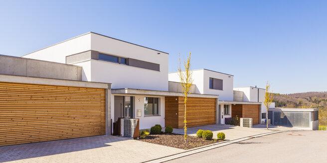 Energy saving one-family houses - WDF04005