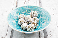 Bliss Balls with dates, pistachio, oat flakes and coconut flakes - LVF06083