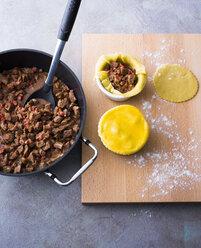 Preparing meat pies - PPXF00051