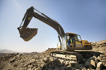Digger working in quarry - ZEF13770