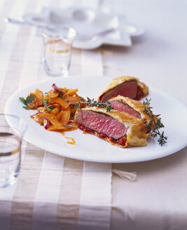 Lamb filet wrapped in puff pastry - PPXF00063