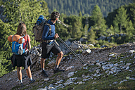 Italy, Friends trekking in the Dolomtes - ZOCF00462