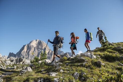 Italy, Friends trekking in the Dolomtes - ZOCF00468