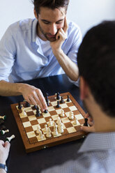 Two men playing chess - GIOF02709