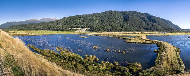 New Zealand, South Island, Southern Scenic Route, Fiordland National Park, Rohata Wetlands - STSF01238