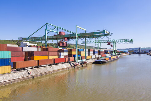 Germany, Stuttgart, Neckar, container harbor - WDF04034