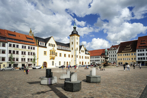 Germany, Freiberg, Upper Market with town hall - BT00480
