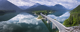 Germany, Bavaria, Sylvenstein dam and bridge with the Alps in background - STCF00325