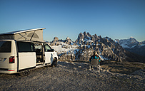 Italy, Alto Adige, Dolomites, Camper in front of Cardini Group - STCF00337