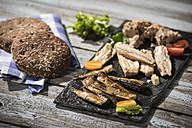 Cold fish platter with tuna, sprats and sardines - MAEF12238