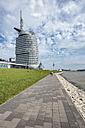 Germany, Bremerhaven, waterfront promenade with Atlantic Hotel Sail City - ELF01841