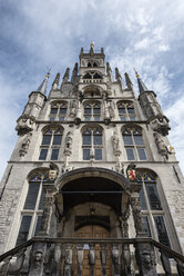 Netherlands, Gouda, gothic town hall on market square - ELF01851