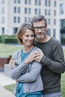 Portrait of happy mature couple outdoors - RORF00924