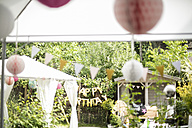 Birthday decoration in a garden - MOEF00021