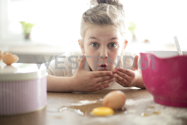 Portrait of embarrassed little girl in the kitchen - MOEF00042