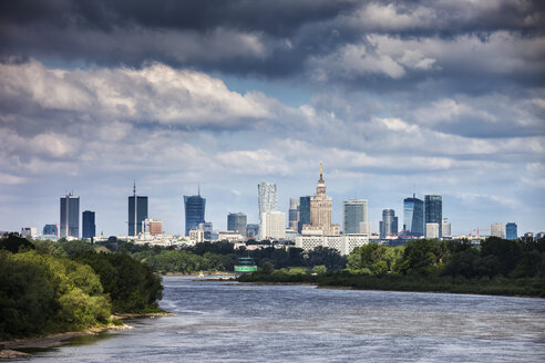 Poland, Warsaw, city skyline and Vistula River - ABOF00198