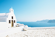 Greece, Santorini, Oia, Byzantine Orthodox church over the sea - GEMF01723