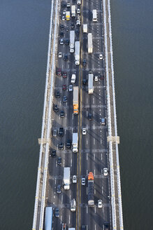 USA, New York City, traffic from Fort Lee across the Hudson River, aerial view - BCDF00285