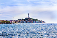 Croatia, Istria, Rovinj, view with Church of St. Euphemia seen from the sea - MAEF12365