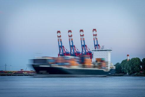 Germany, Hamburg, Elbe, container ship - KEBF00592