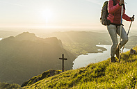Austrian, Salzkammergut, Woman hiking alone in tha mountains - UUF11030