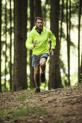 Man running in forest - MAEF12377