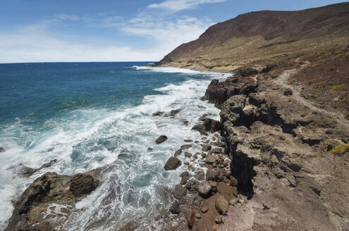 Spain, Canary Islands, Tenerife, rocky coast - DHCF00095