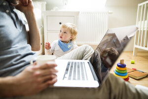 Father with his little son working from home - HAPF01954