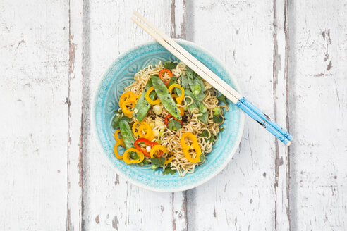Bowl of mie noodles with vegetables - LVF06228