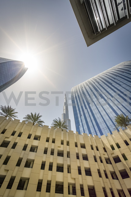 United Arab Emirates, Dubai, Buildings at Emaar Square with Burj Khalifa in the background - NKF00478 - Stefan Kunert/Westend61