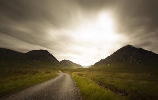 UK, Scotland, empty road at Trossachs National Park - FCF01258