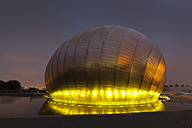 UK, Scotland, Glasgow, illuminated Glasgow Science Centre - FC01264