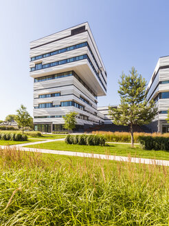 Germany, Heidelberg, Bahnstadt, campus with passive houses for offices and labrotories - WD04082