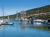 Croatia, Dalmatia, Adriatic Sea, Fishing village Marina, Bay with sailing boats - AMF05425