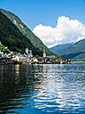 Austria, Salzkammergut, Lake Hallstatt with Hallstadt - AMF05439