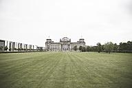 Germany, Berlin, Berlin-Tiergarten, view to Reichstag - CHPF00419