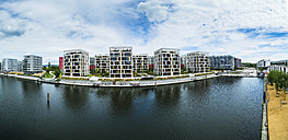 Germany, Hesse, Offenbach, modern architecture at harbor - AMF05461