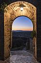 Italy, Tuscany, Monteriggioni, Porta di Sotto - CSTF01344