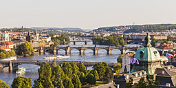 Czech Republic, Prague, cityscape with Charles Bridge and boats on Vltava - WDF04132