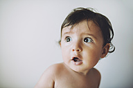 Surprised baby girl on white background - GEMF01793