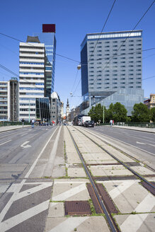 Austria, Vienna, lane and tramline on Schwedenbruecke - ABOF00257