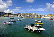UK, England, Cornwall, St Ives, fishing harbor - SIEF07547