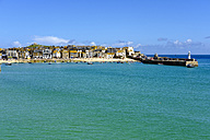 UK, England, Cornwall, St Ives, harbor with Smeaton's Pier - SIEF07550