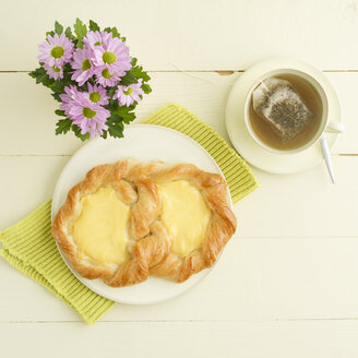 Schnecke pastry with vanilla custard - ECF01937
