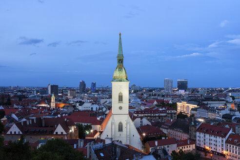 Slovakia, Bratislava, evening cityscape with St. Martin's Cathedral - ABOF00266