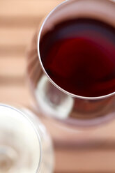 Glasses of wine, close-up - JTF00849