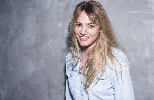 Portrait of smiling blond woman - PNEF00107