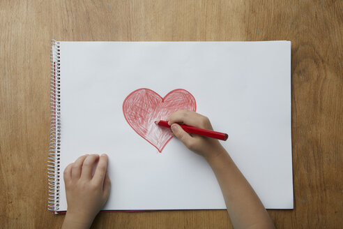 Child drawing heart - RBF06082